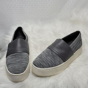 VINCE Ward Slip-On Sneaker Size 6.5 excellent cond